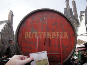 Wizarding_World_of_Harry_Potter_-_a_toast_to_the_giant_Butterbeer_cart_keg_(5014304402)